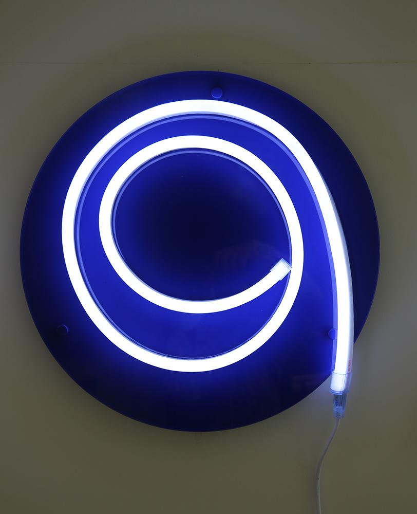 'I'    Light Emitting Diodes , plexiglass, vinyle  year: 2015  size: 500 mm circle