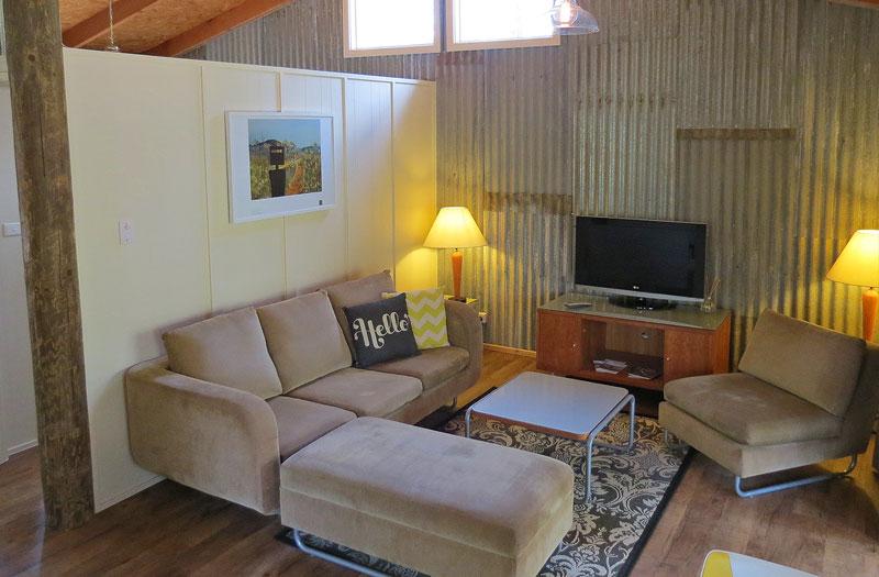 IMG_4474_lounge.jpg