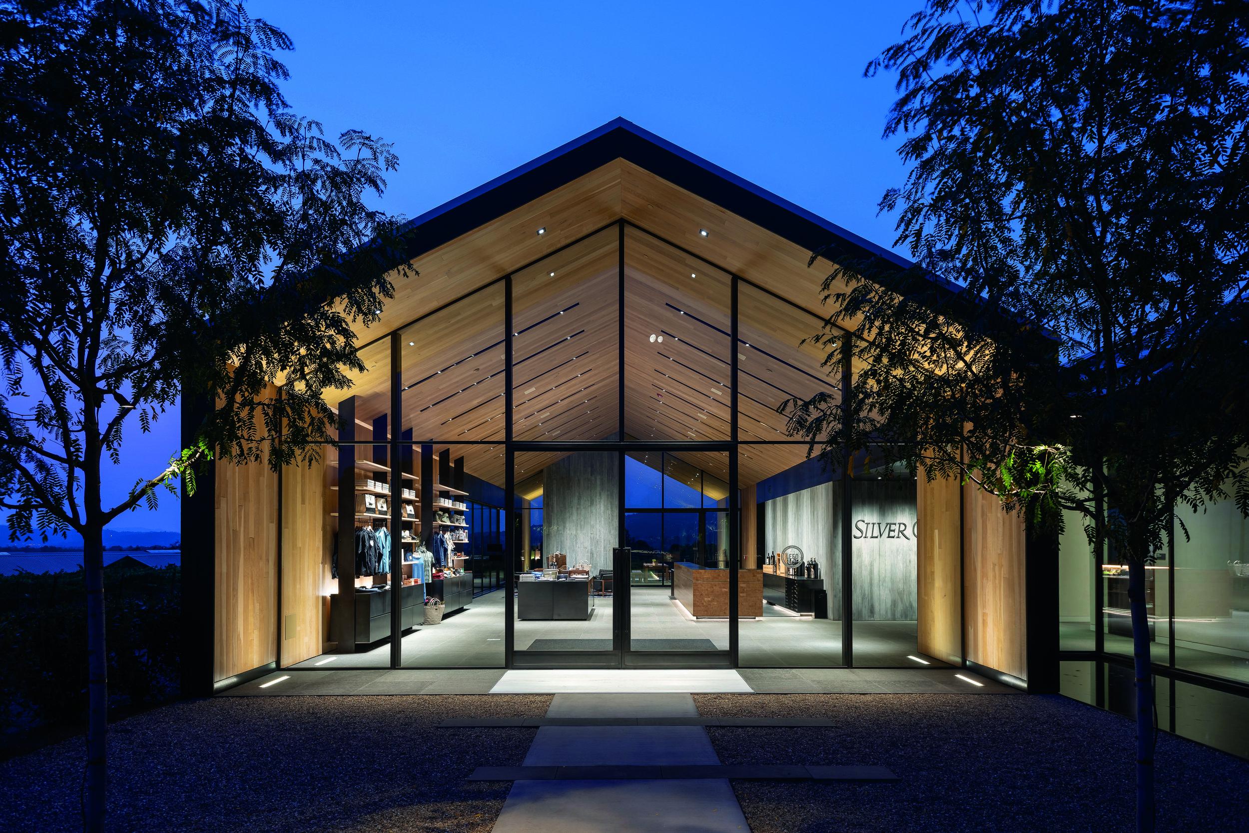 Award of Distinction, First PlaceEric Johnson Associates, Inc.Silver Oak Alexander Valley Winery Interior - Lighting Designers: Eric Johnson, Markus Wolf