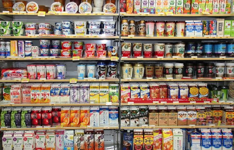 Bra sortiment med massor av produkter och tjänster, schyssta priser, bra placering, trevlig personal, öppet dygnet runt - så ser en japansk närbutik ut. Det resulterade i att 7-Eleven blev japanskt för drygt 20 år sedan.