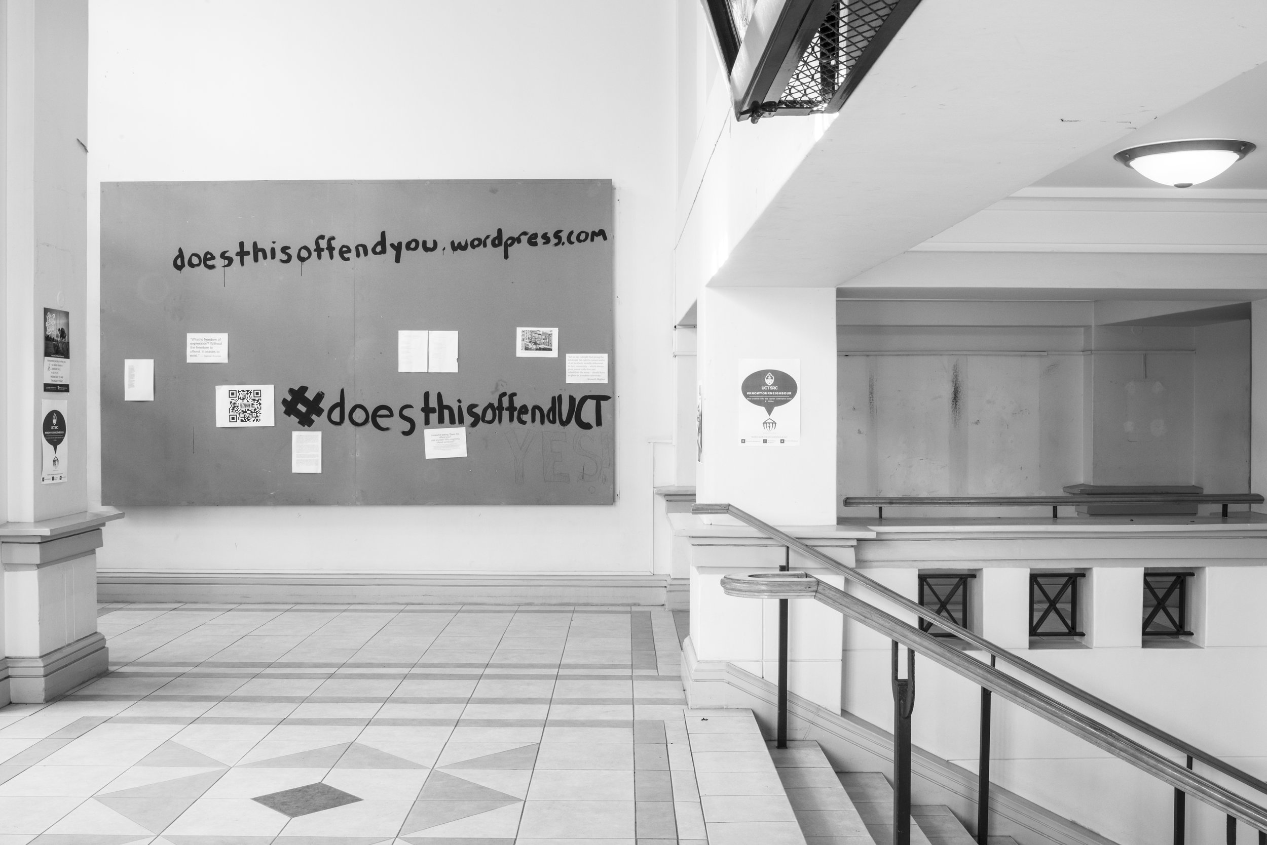 « Temporary » Censorship of its artworks by management of the University of CapeTown : at left a drawing by Diane Victor has been covered ; at right, woodcuts by Cecil Skotnes have been removed. University of Cape Town, 14 May 2016.  Digital print on gelatin silver paper, 29,5 x 44 cm. Courtesy David Goldblatt and Goodman Gallery Johannesburg and Cape Town. © David Goldblatt