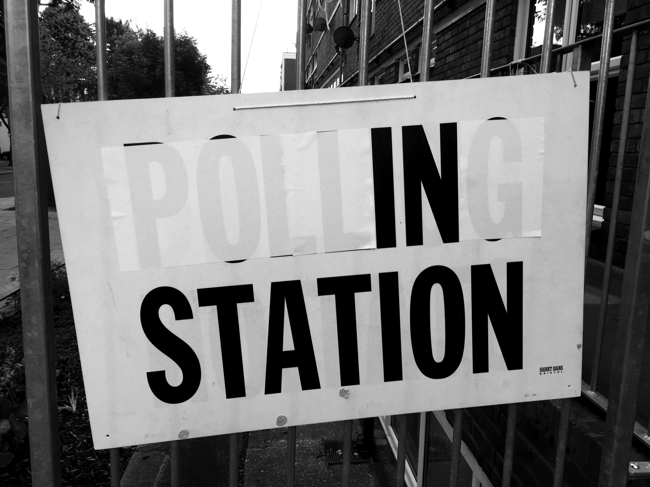 EU REFERENDUM \ POLLING STATION \ CALEDONIAN ROAD \ 23.6.2K16 #NOTESFROMUNDERGROUND #PUNKLONDON  #  SNUFFCREATIVE2016
