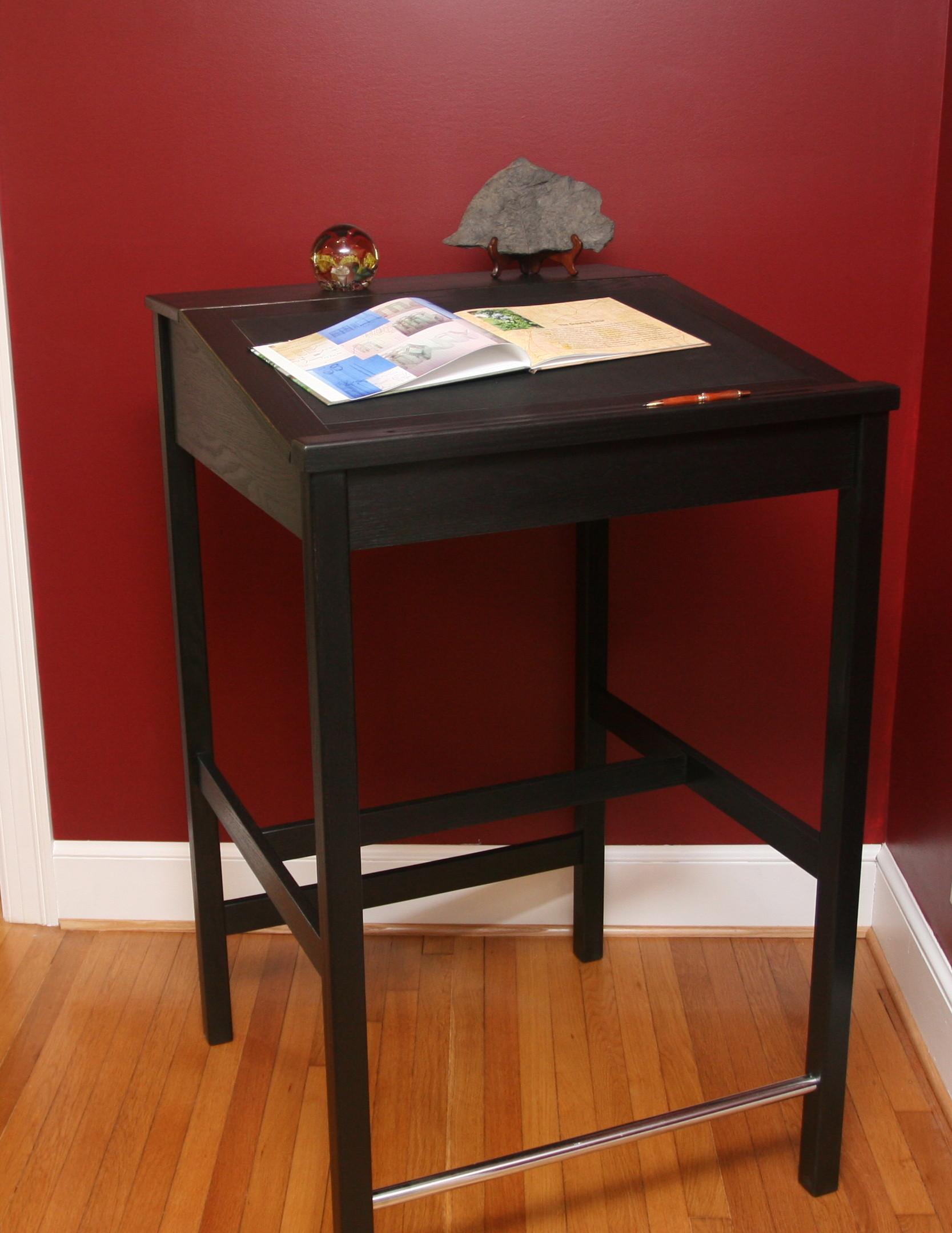 "30"" Black Deco Desk.   Desk 7   Click picture to enlarge"
