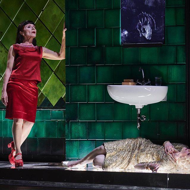 "Iphigènie Show 4 tonight! * ""Amanda Majeski...sings like a queen, delivering a sensational, heartrending role debut."" — Süddeutsche Zeitung (@sz) —————————— © Martin Sigmund #debut #StgtIphigenie #stuttgart #opera"