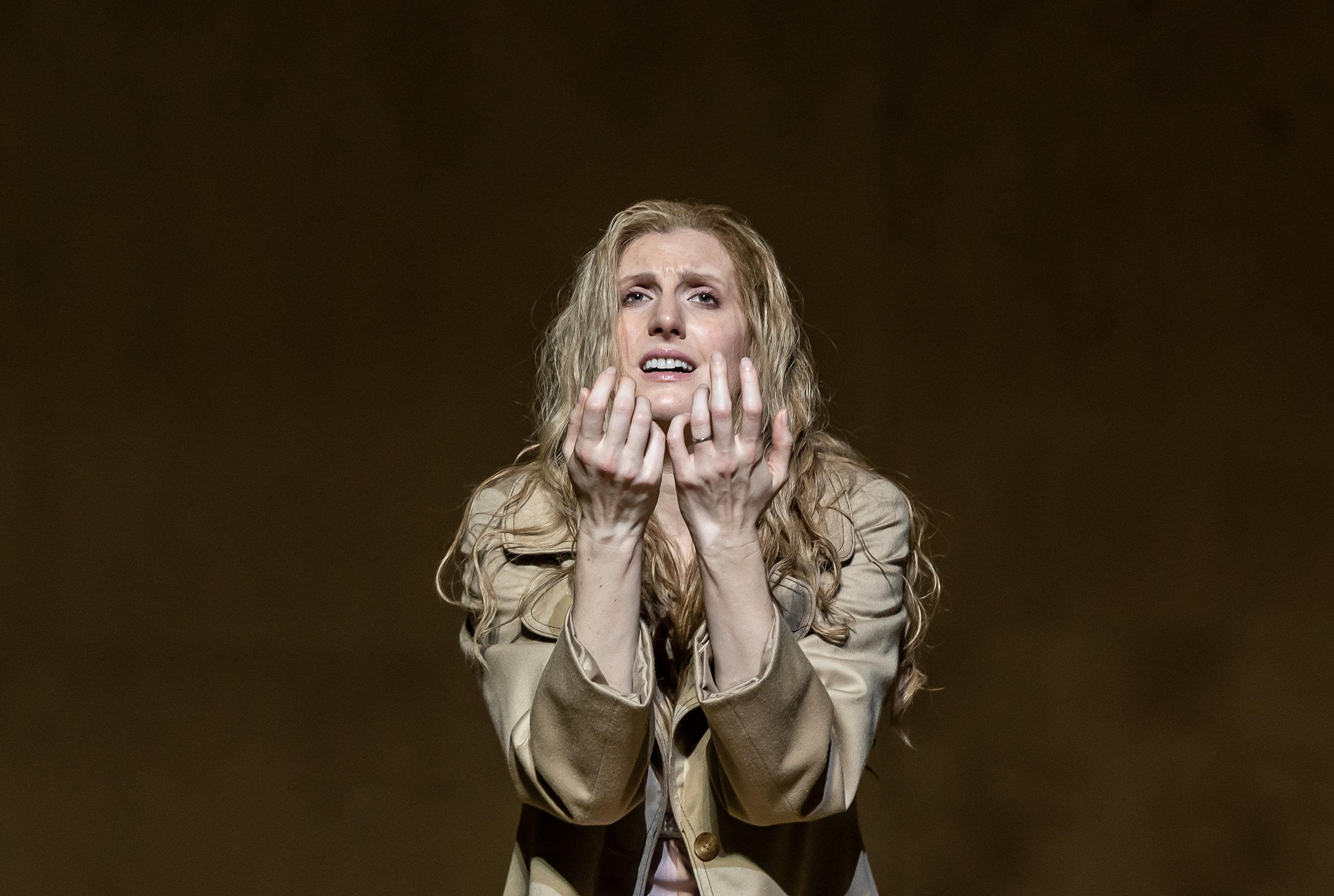 Katya in  Káťa Kabanová  Photo credit: Clive Barda / Royal Opera House