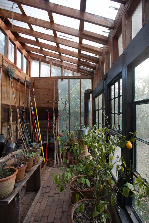 lees_homemade_greenhouse-6405-2.jpg
