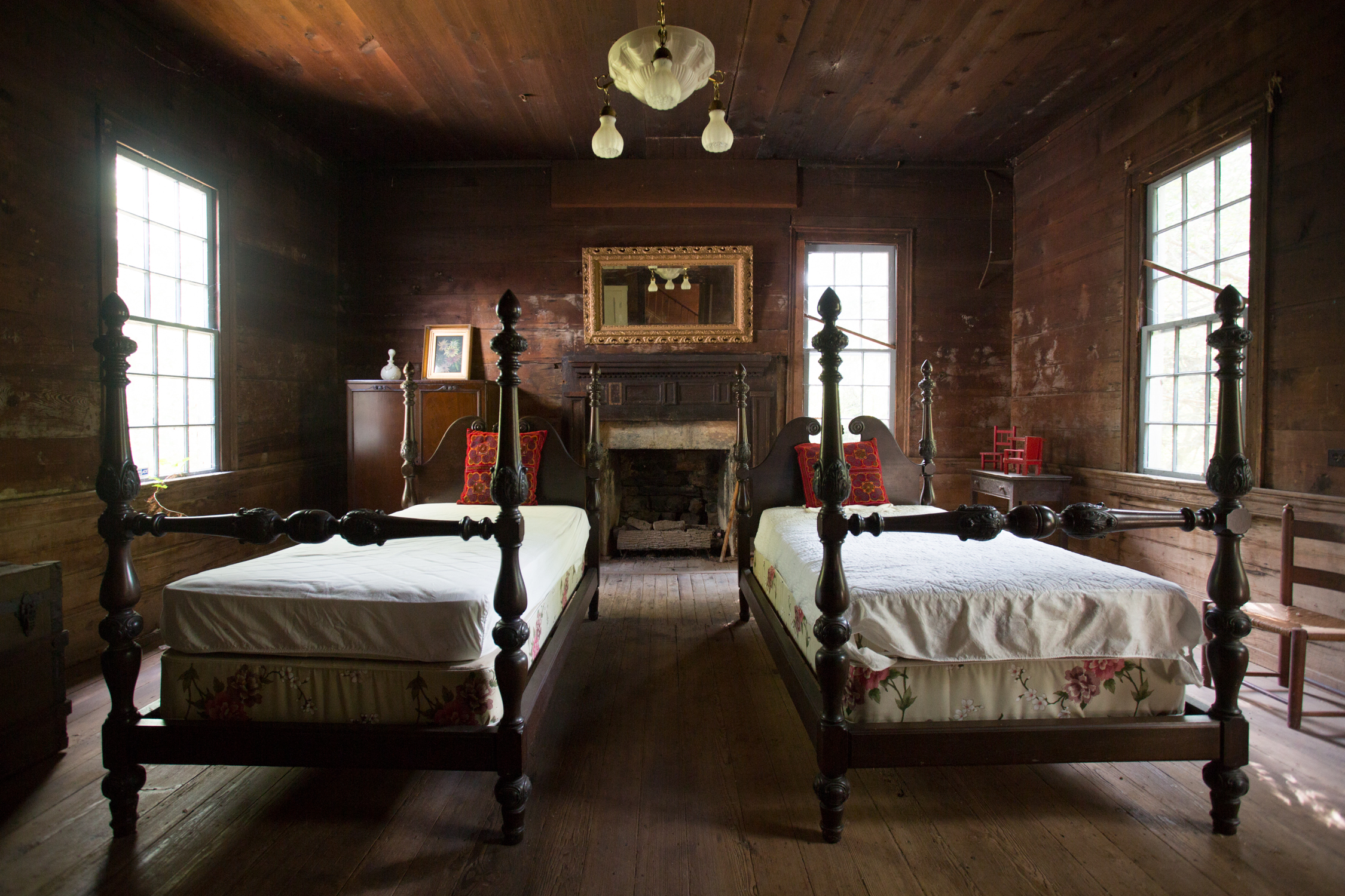 devils pond house_downstairs bedroom.jpg