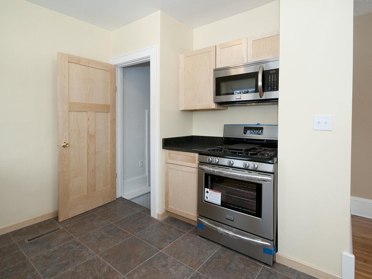 2500 Kitchen B.jpg