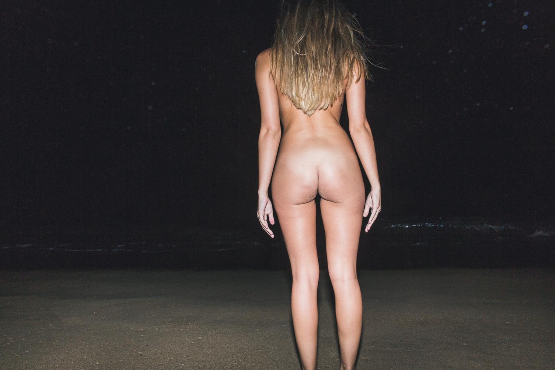 Kristen-BeachFlash_15-7235.jpg