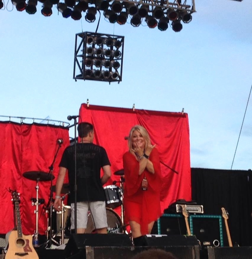 And here's Pamela getting ready to rock the   Moondance Jam   crowd!