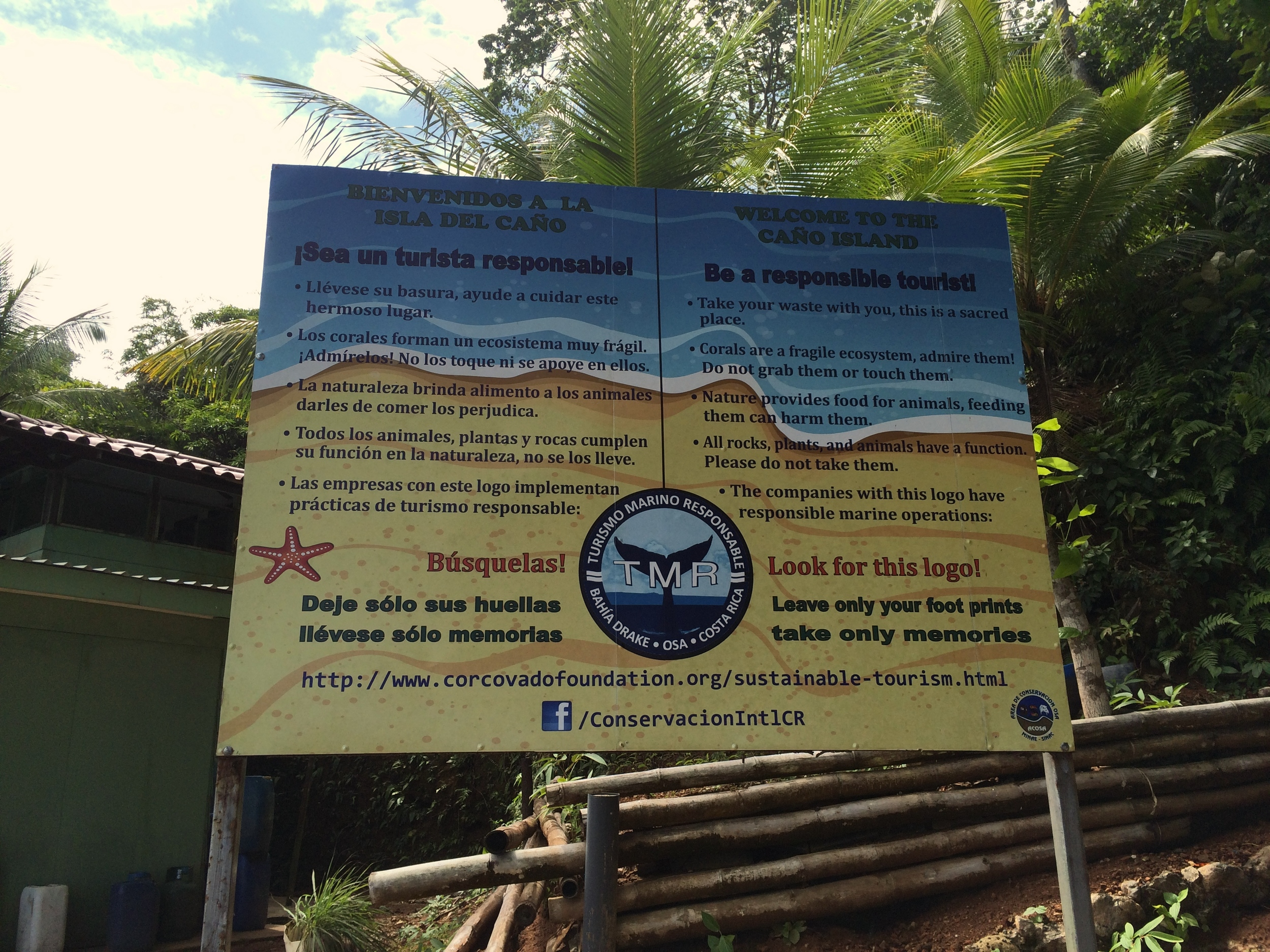 Welcome sign at Isla del Caño