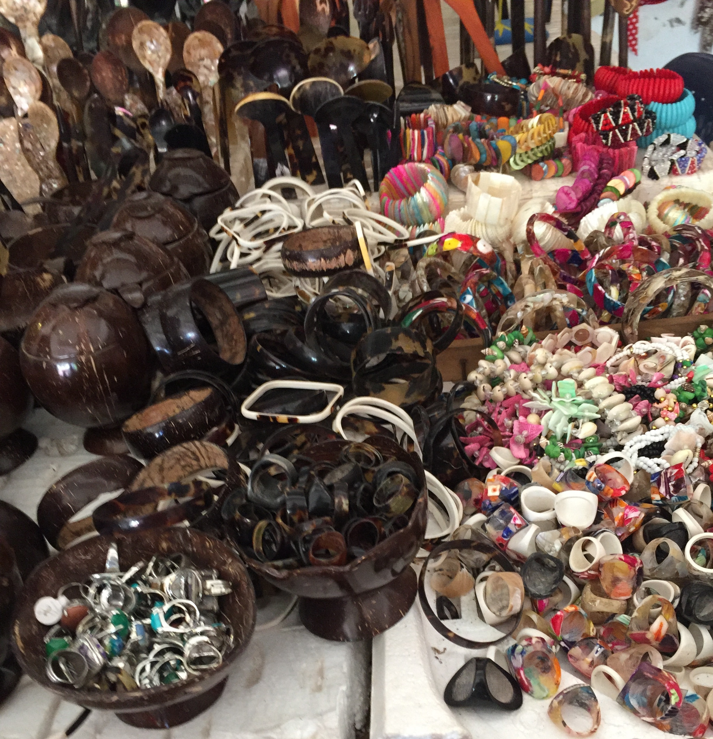 Turtleshell and other products for sale in Rincon del Mar