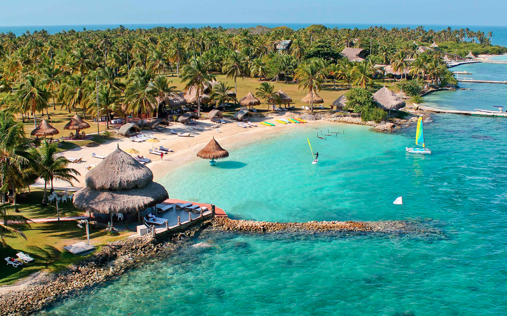 Day 5: We head out by boat (30 min) to the beautiful Punta Faro Resort on Mucura Island, where we will stay for 2 nights