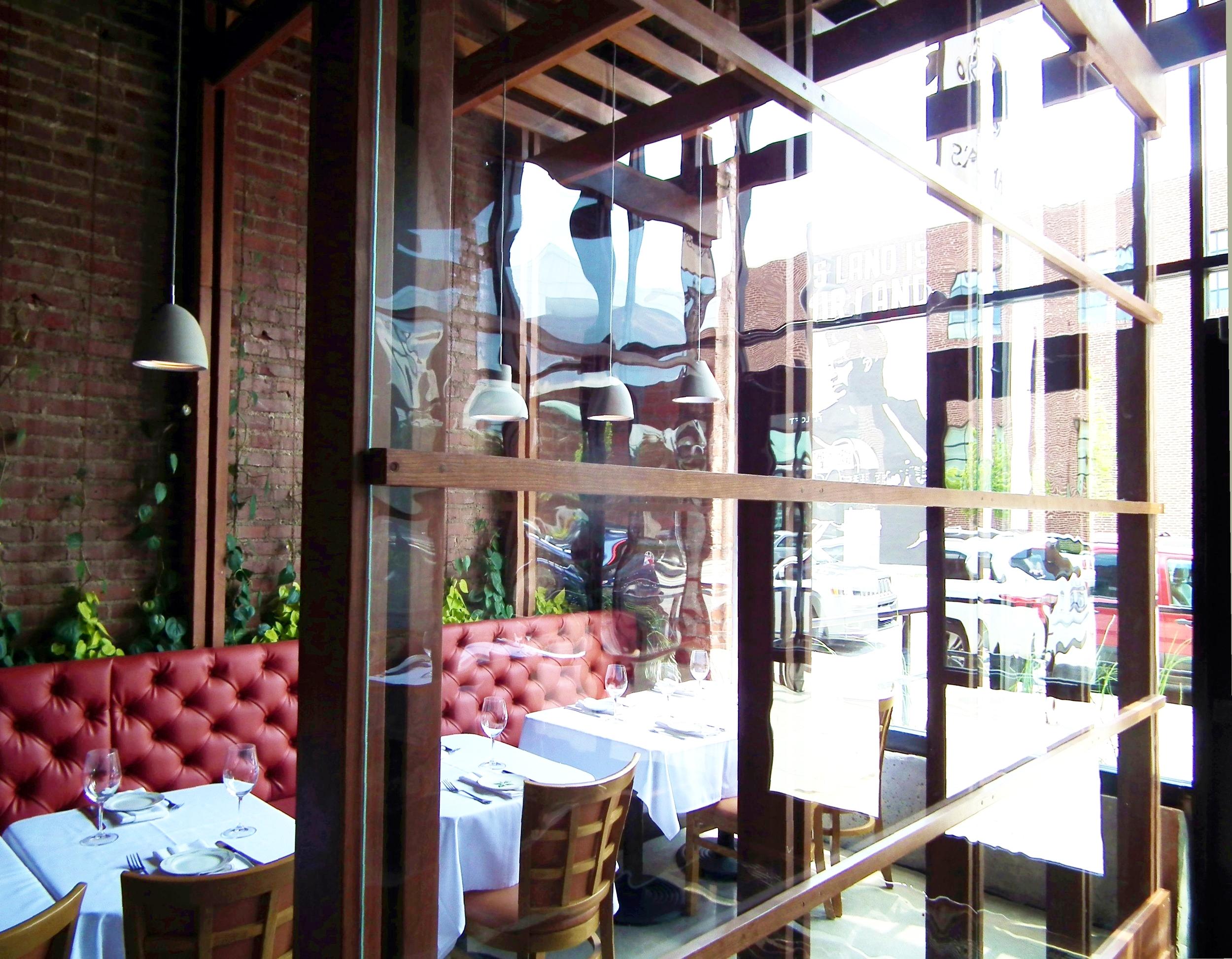 Restaurants: Amelia's on Boston