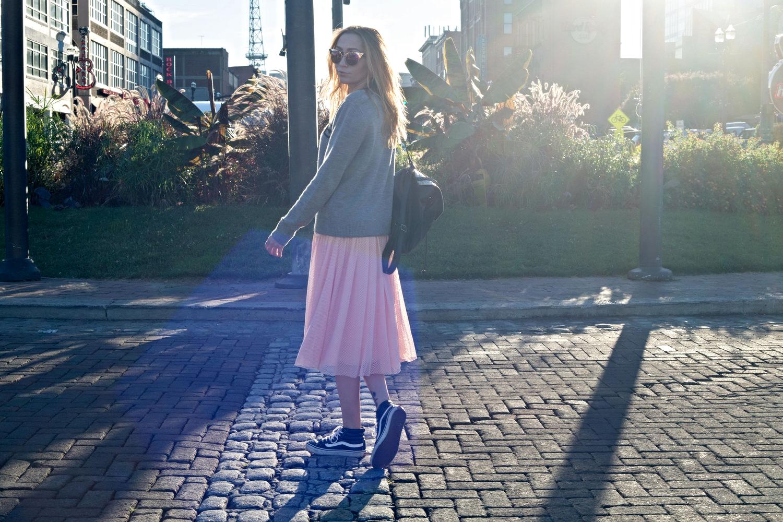 nastygal-tempted-heart-pink-skirt.jpg