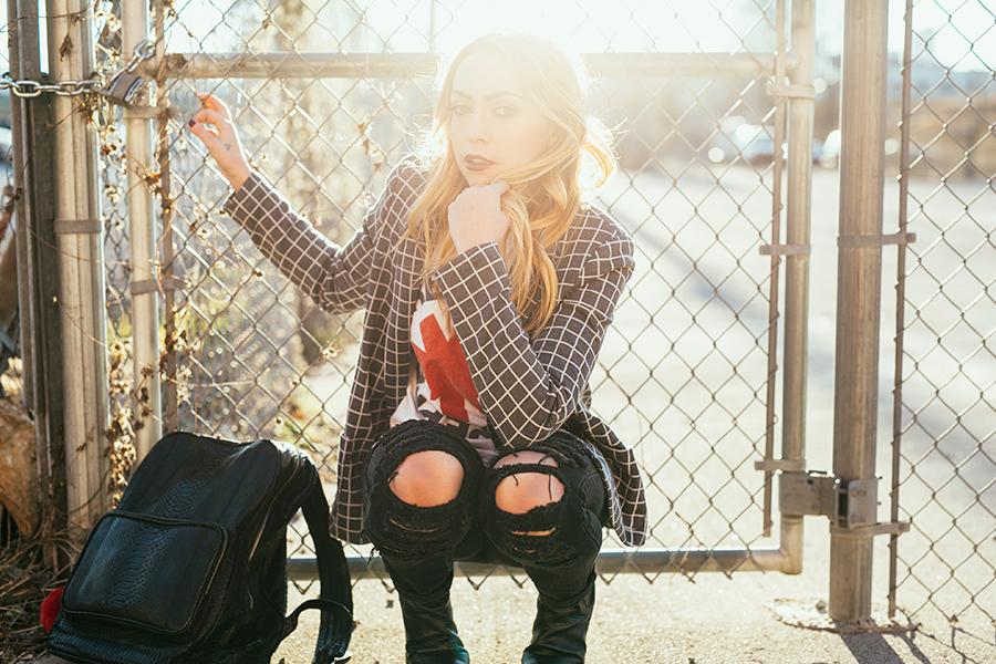 Blazer - ValleyCity   Shirt - vintage   Jeans - BlankNYC  Boots - Senso   Bag - Gelareh Mizrahi    photos by  Amber Ulmer  - glam by  Jess Reed