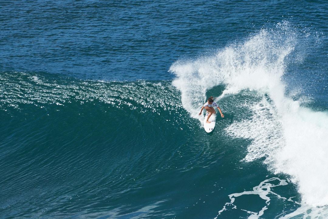 BEX_20151129_133456_Hawaii_surfing 2.jpg