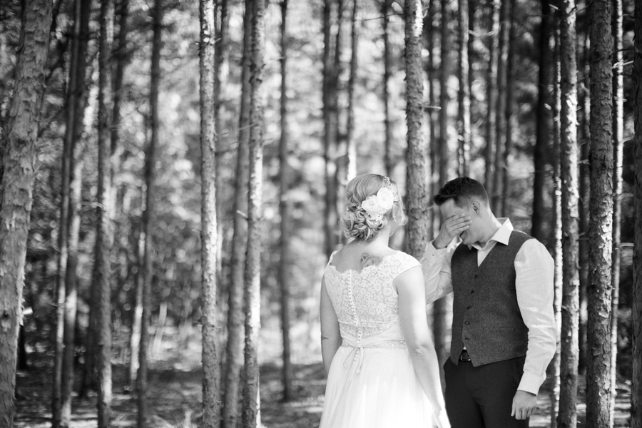 Burlapandbellswedding023.jpg