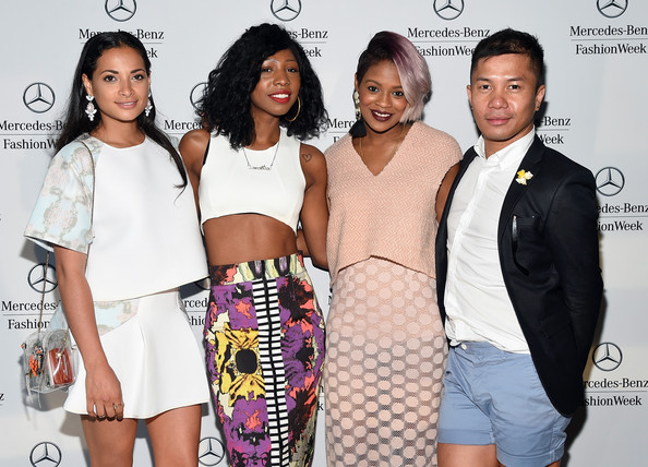 Layana Aguilar, Samantha Black, Myself and Jay Sario hanging out in the Mercedes Benz Lounge.