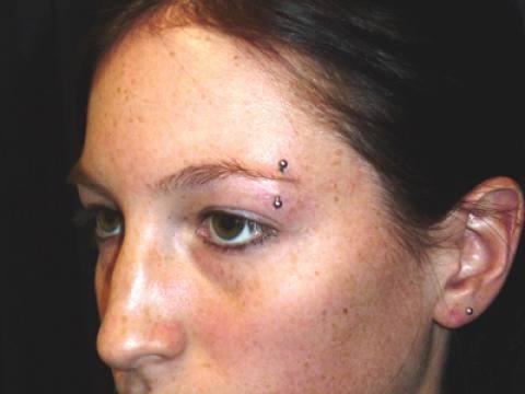 urban_body_tel_aviv_piercing_eyebrow.jpg