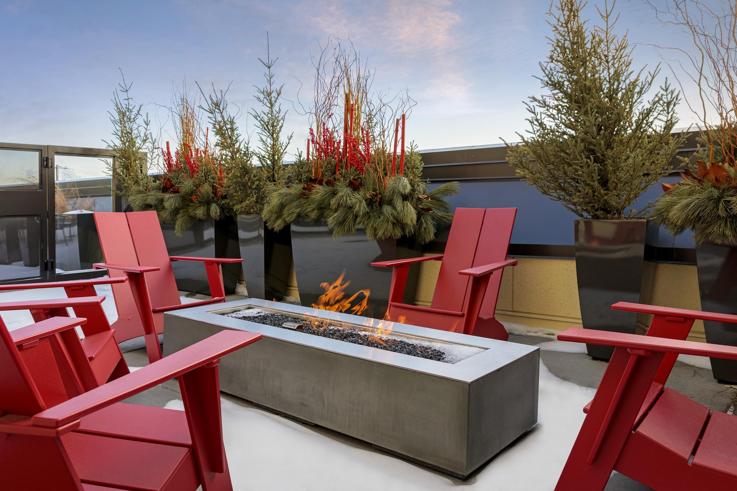 C&E Flats Deck Firepit
