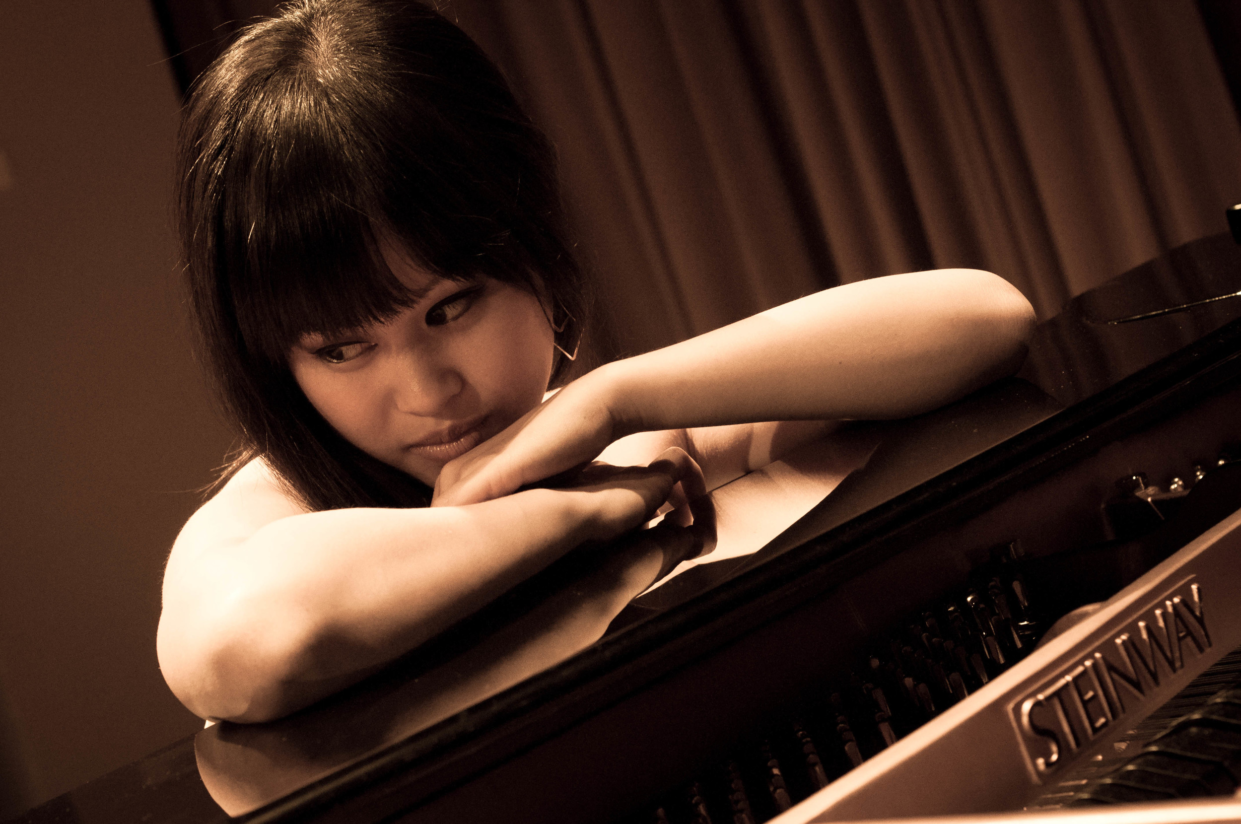 Isabella Tang at piano - sepia.jpg