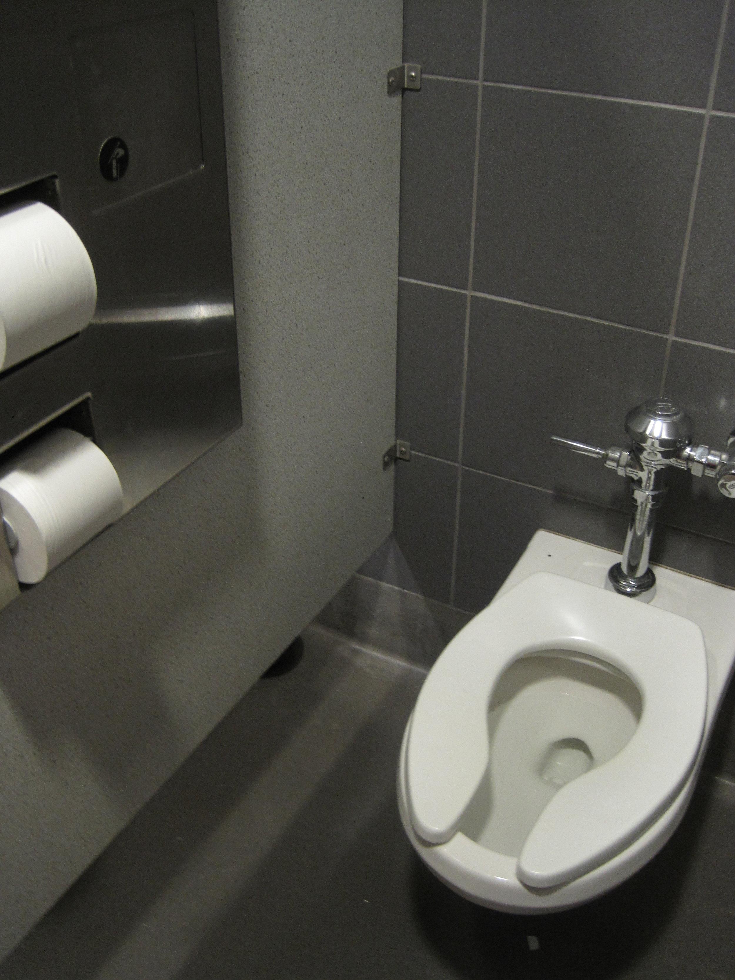 Sculpture Class_toilet - original.jpg
