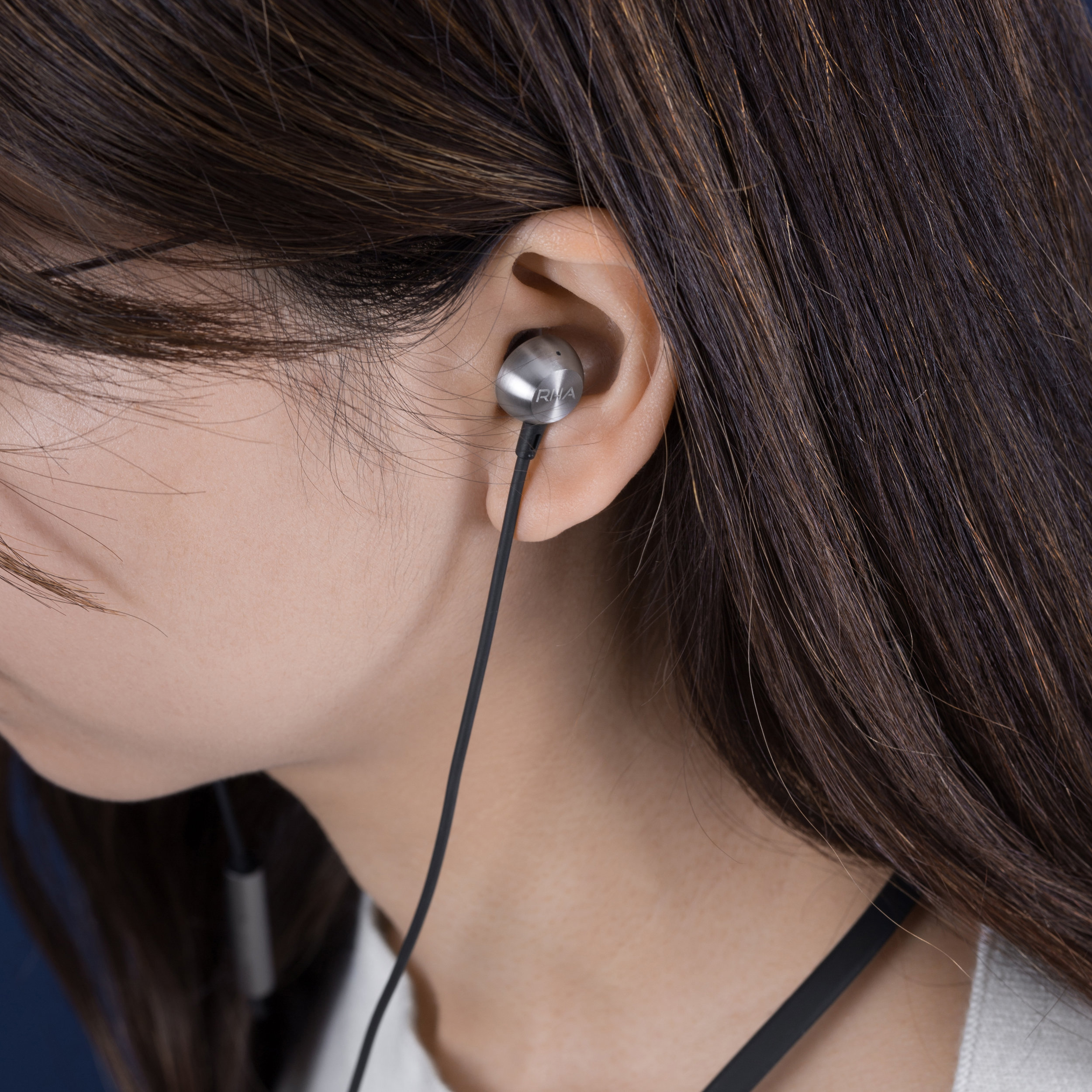 Thumb_ 6. MA650 Wireless - Lifestyle 4.jpg
