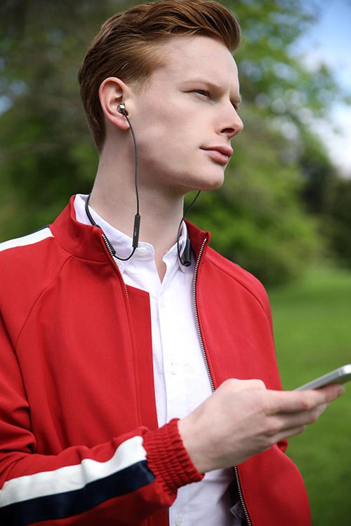 RHA MA390 Wireless_ Lifestyle 02.jpg