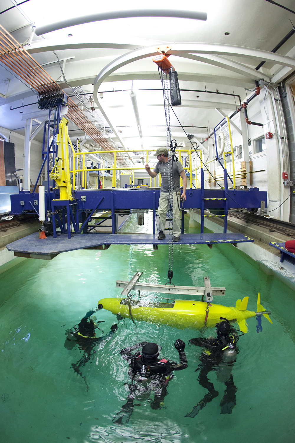 Human-Powered Submarine Team in the Marine Hydrodynamics Laboratory