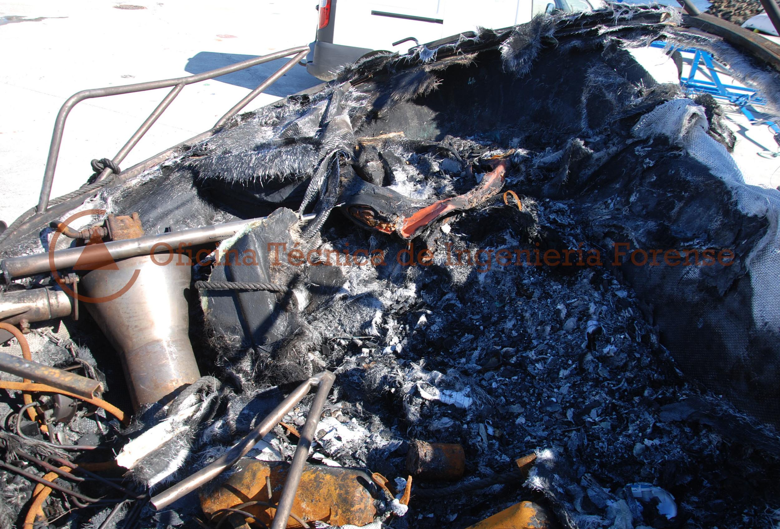 IncendioEmbarcacionCoruña3.jpg