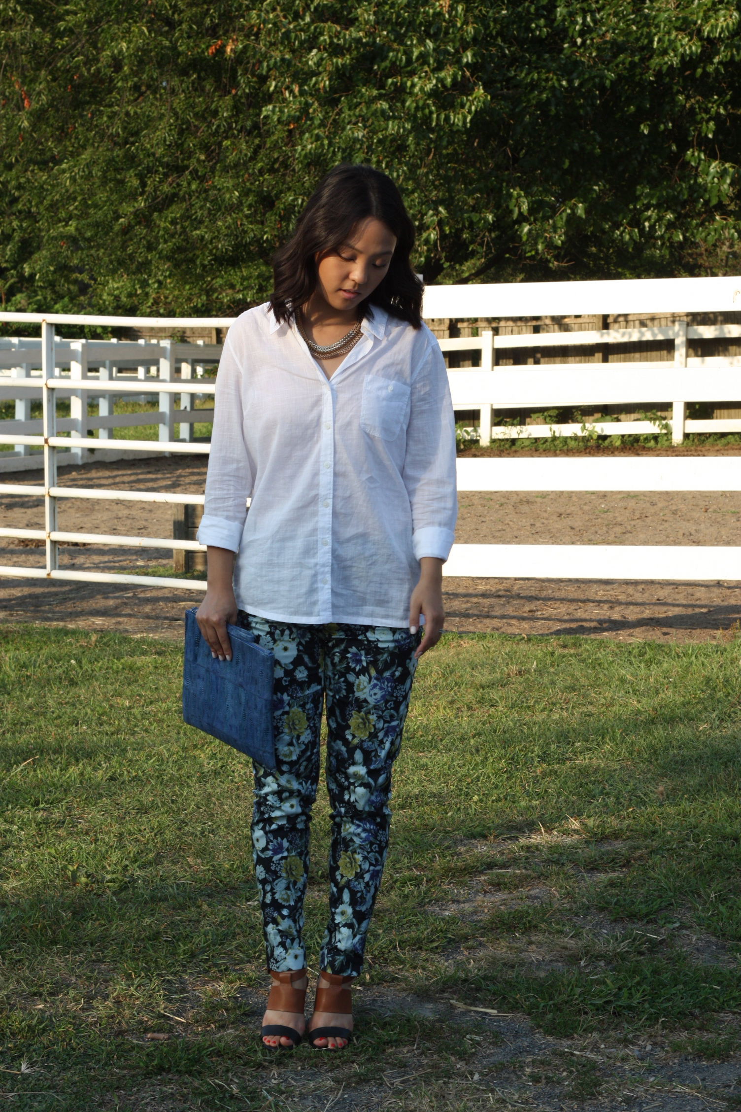 Shirt: Nordstrom, Pants: H&M, Shoes: Steve Madden, Bag: Latico, Nails: Essie Ballet Slippers
