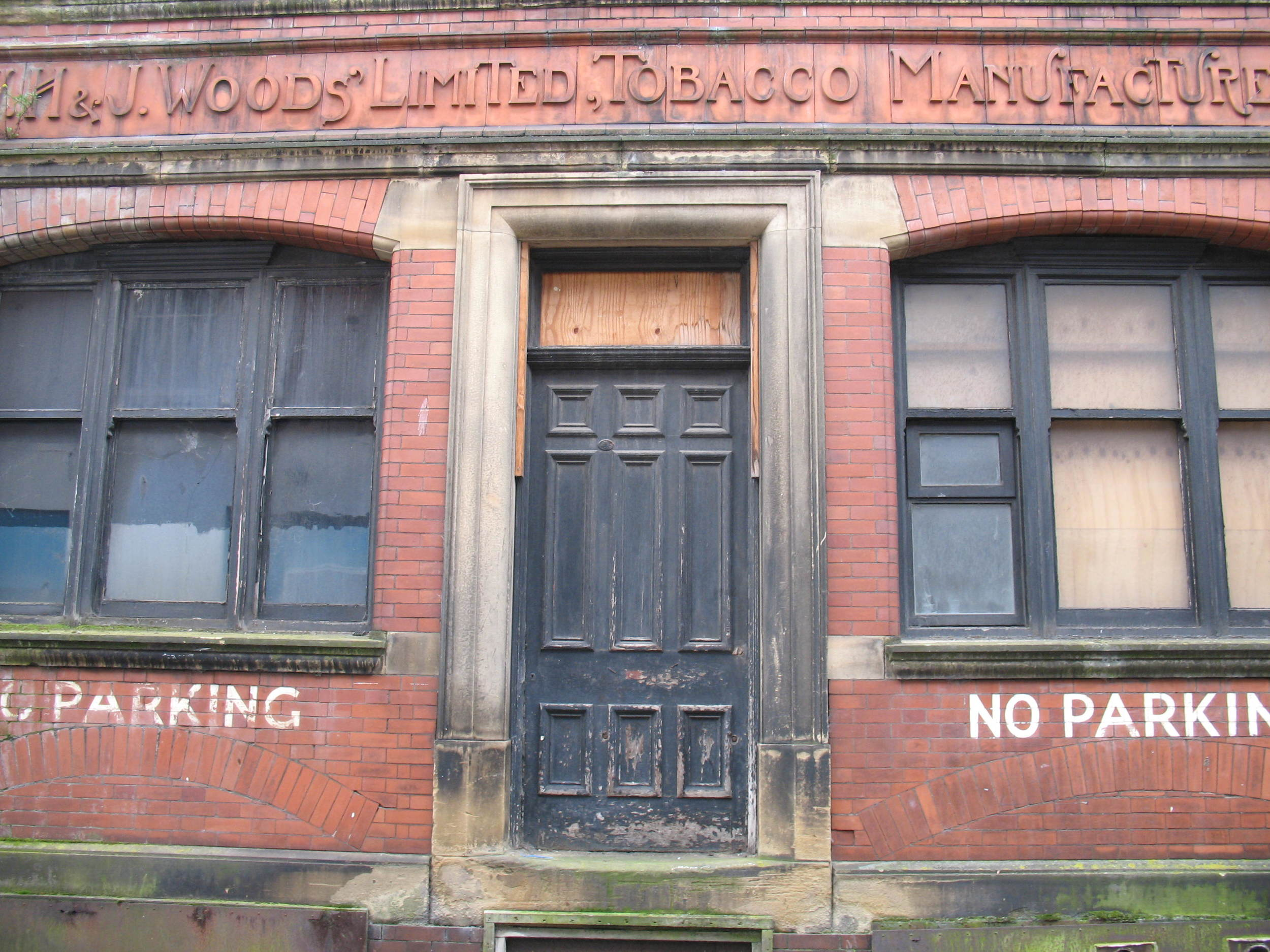 Admittedly this isn't in Paris, it's on Avenham Street in Preston, but writing about the permanence of signs reminded me of this image. I took it as part of the research for my MA project and thought what a shame it is that the building now stands empty, on the verge of dereliction. Someone must have taken great pride in it a long time ago, to have the company name carved into the brickwork.