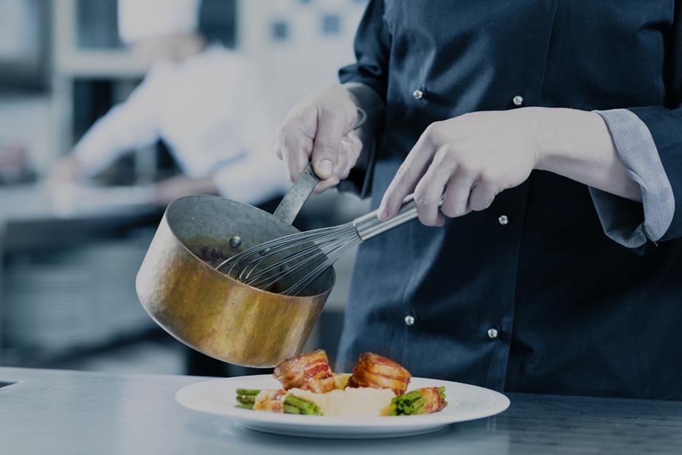 Nythun,Etnedal - Rangert som distrikts-Norges tredje beste spisested. Markerte turstier og gode fiskemuligheter gir deg den komplette høyfjells-opplevelsen. Du finn Nythun midt mellom Fagernes og Etnedal.Les mer Booking