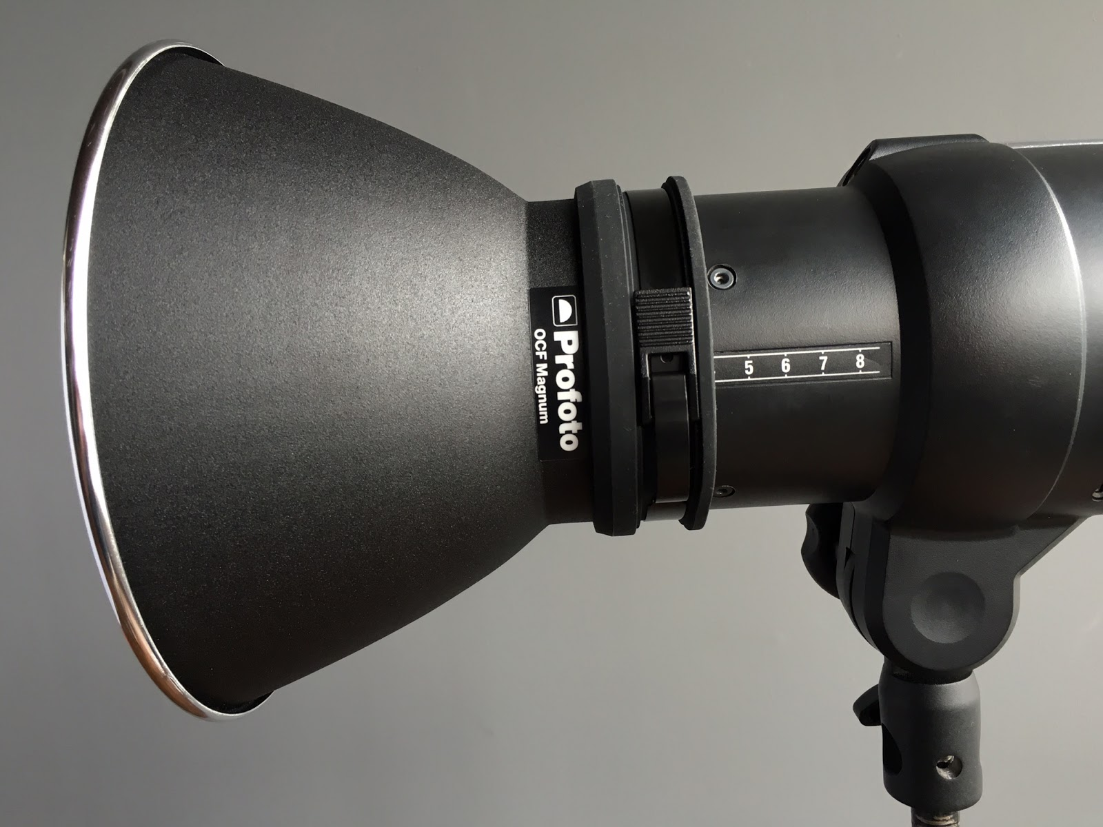 The OCF Magnum reflector correctly focused at position 4 for maximum output.