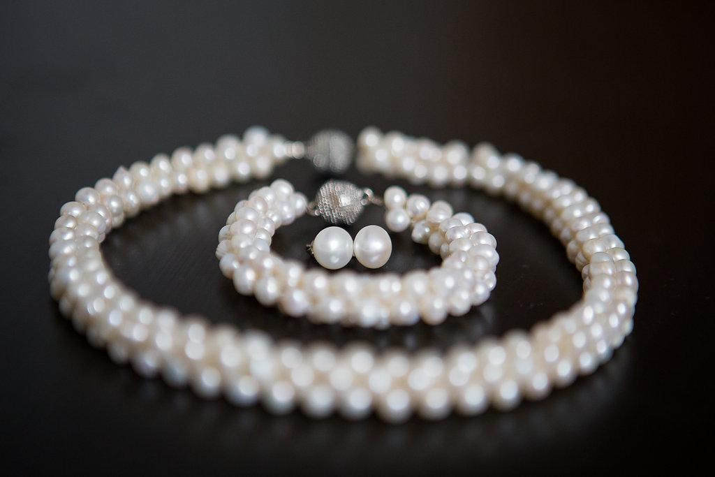 bridal pearls Mariage Montreal Wedding