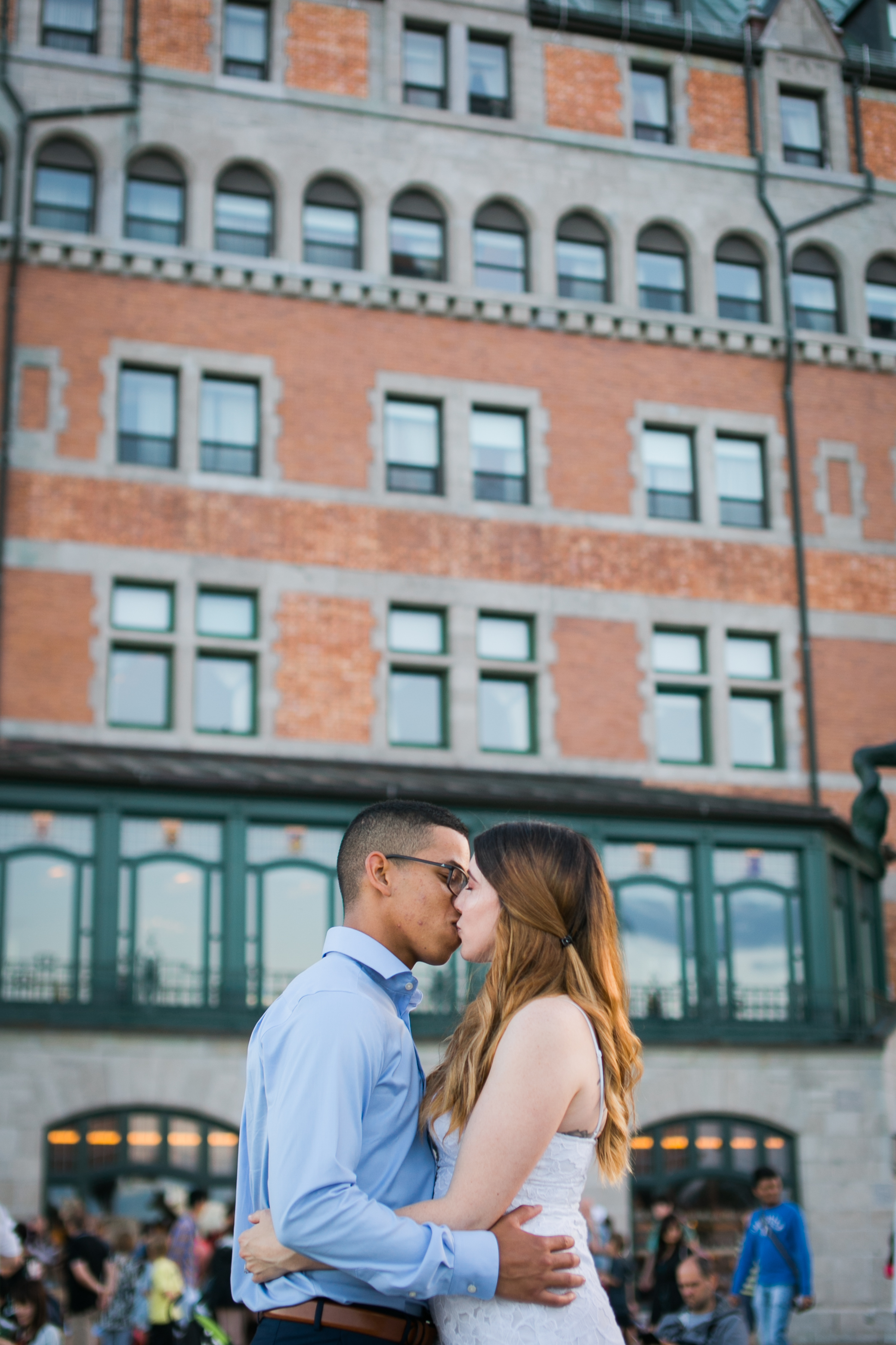 Old quebec sunset engagement photos in front of chateau frontenac16.jpg