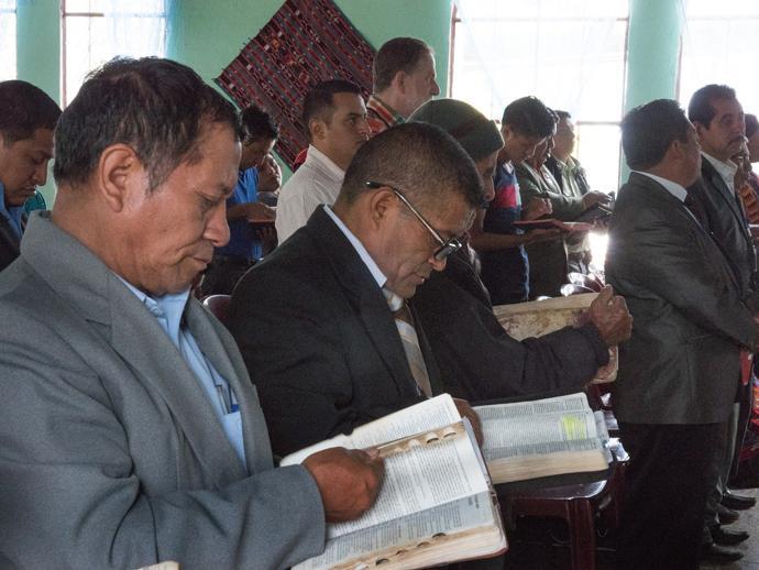 honduras-guatelama-2017-pastors-690-690x518.jpg