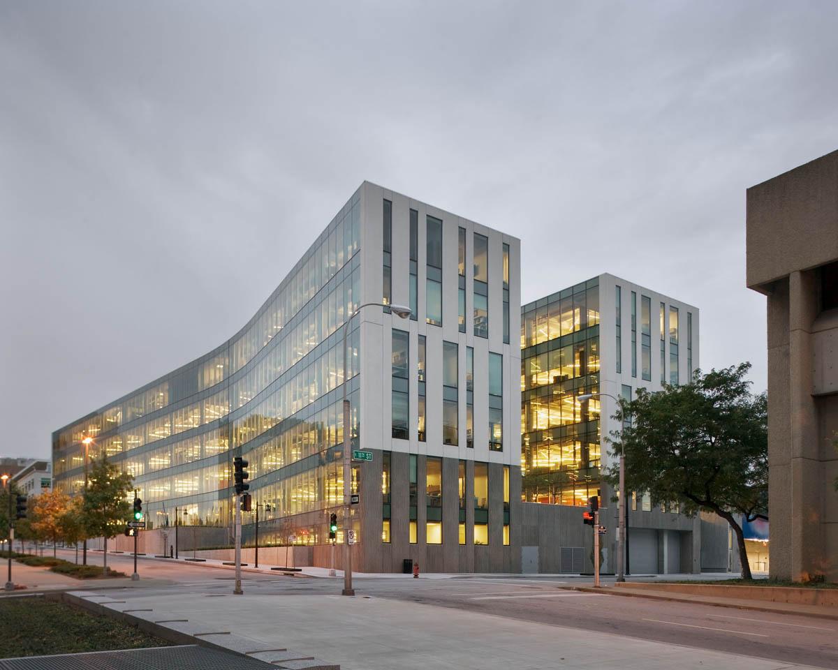 JE Dunn Headquarters - Kansas City, Missouri