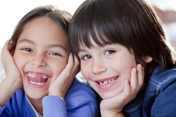 9_klein-toothless-siblings.jpg