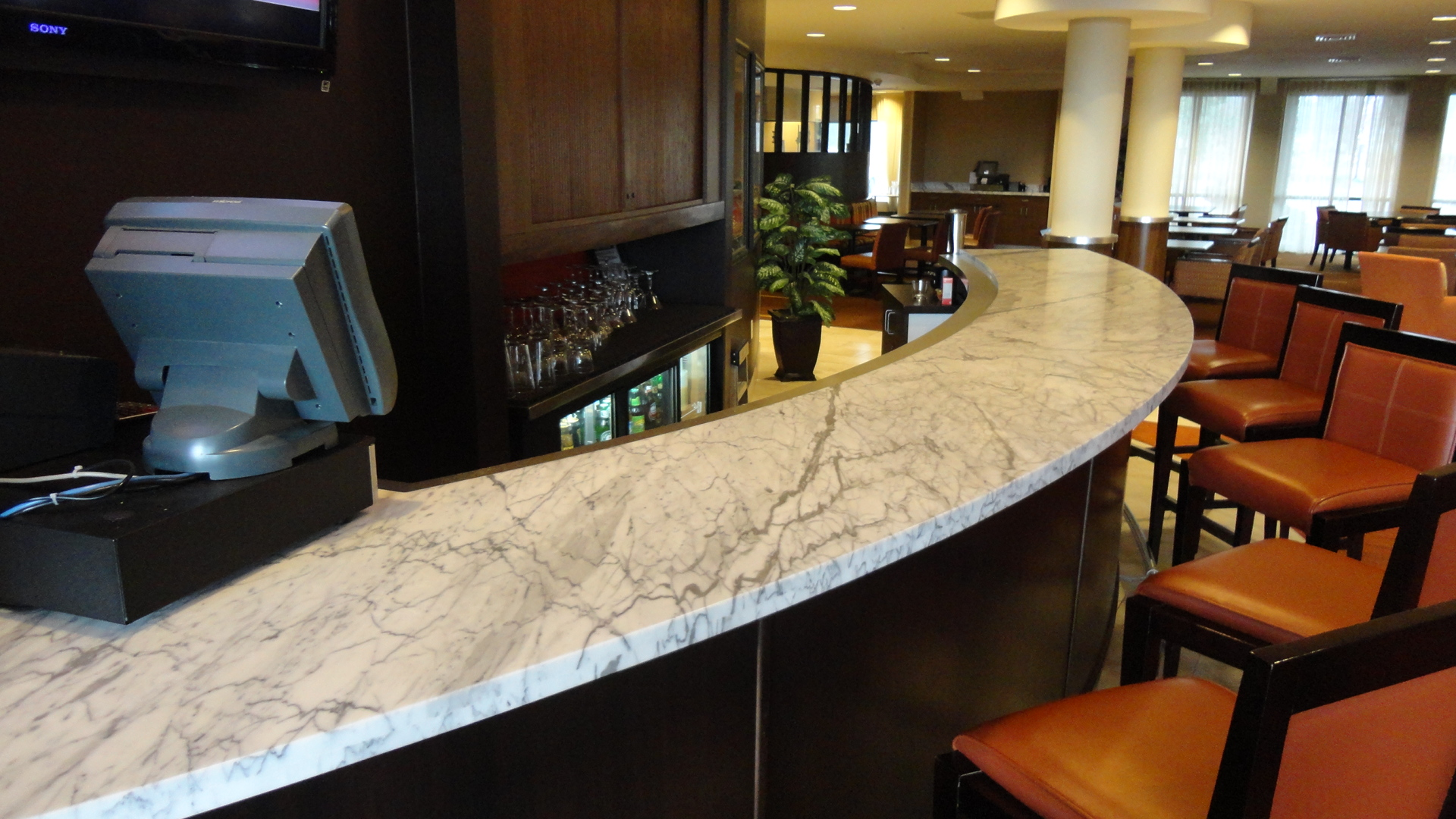 Arched Cararra Marble Bar