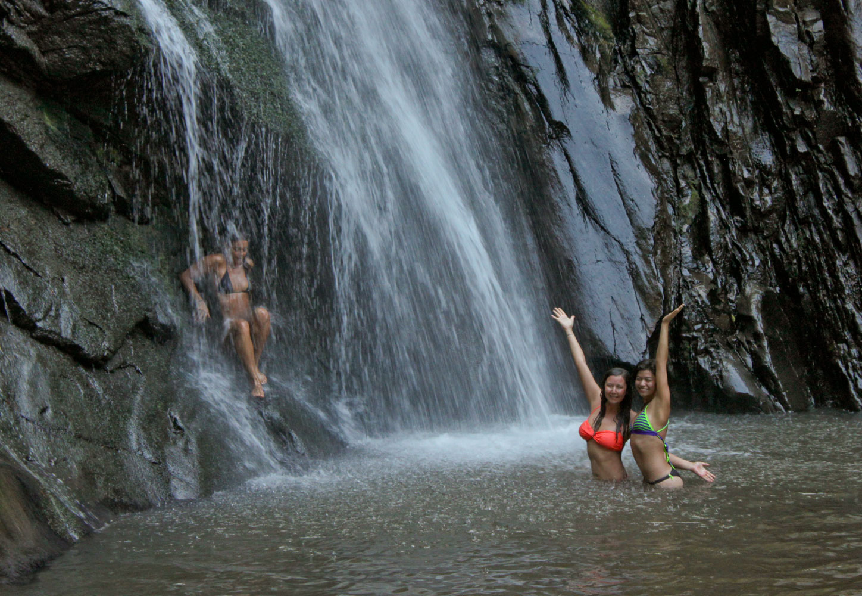 girls-in-the-falls-136.jpg