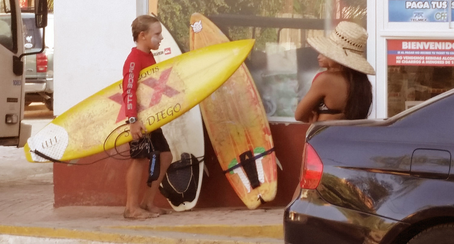 057-cool-kid-with-surfboard.jpg