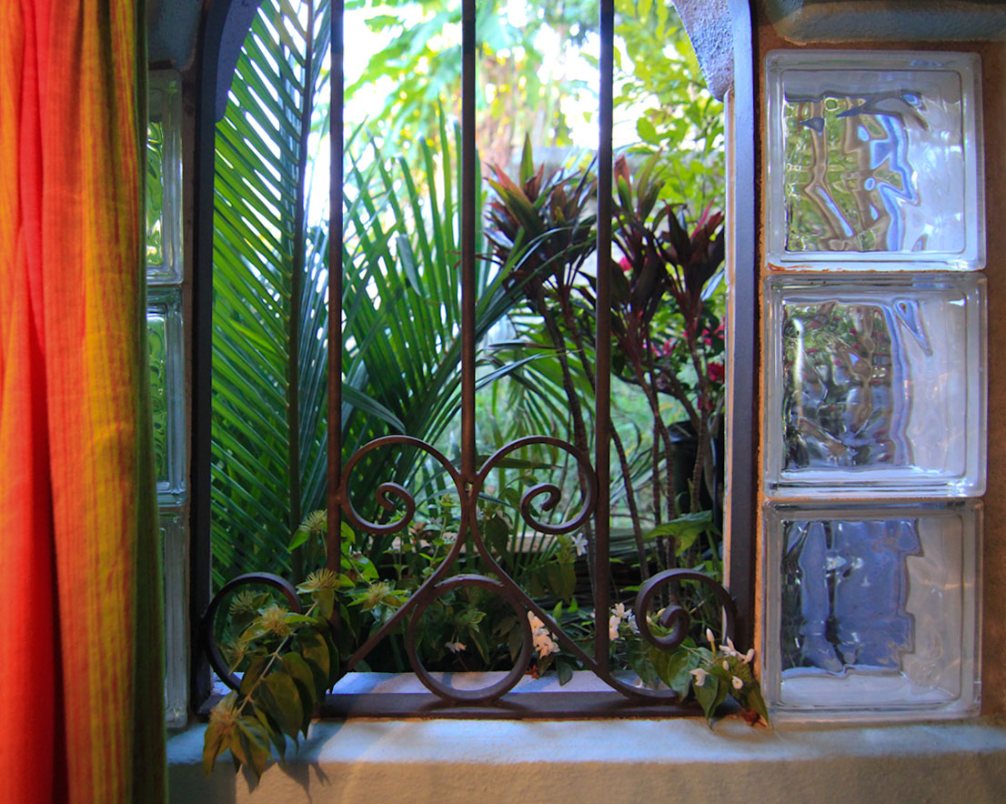 021-third-level-bathroom-window.jpg