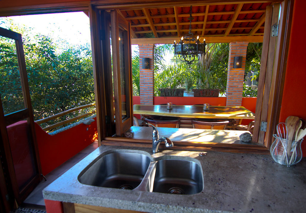 011-kitchen-to-dining-terrace.jpg