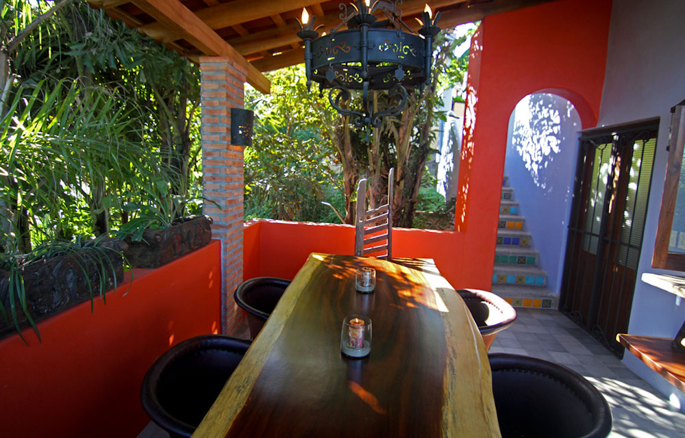 Villa-Zafiros-dining-terrace-and-table-04.jpg