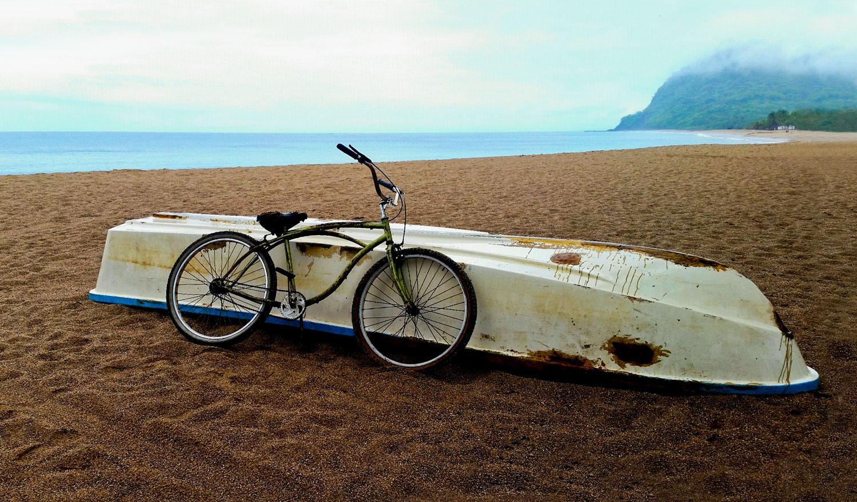 Villa-Zafiros-101-boat-and-bicycle.jpg