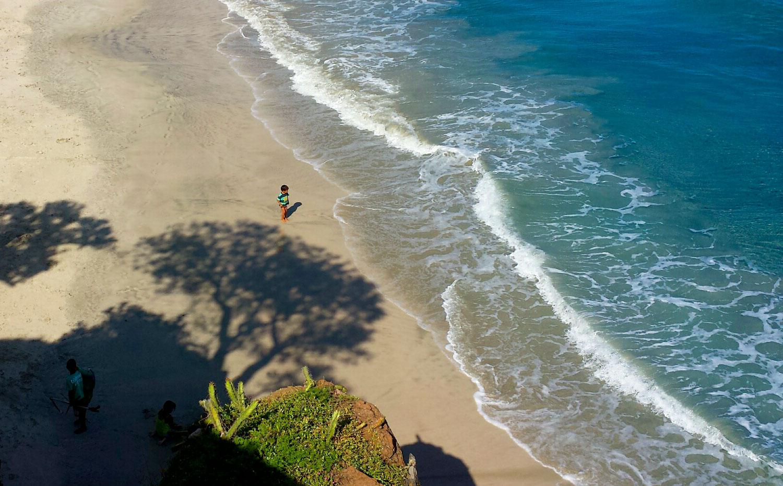 199-child-on-beach.jpg