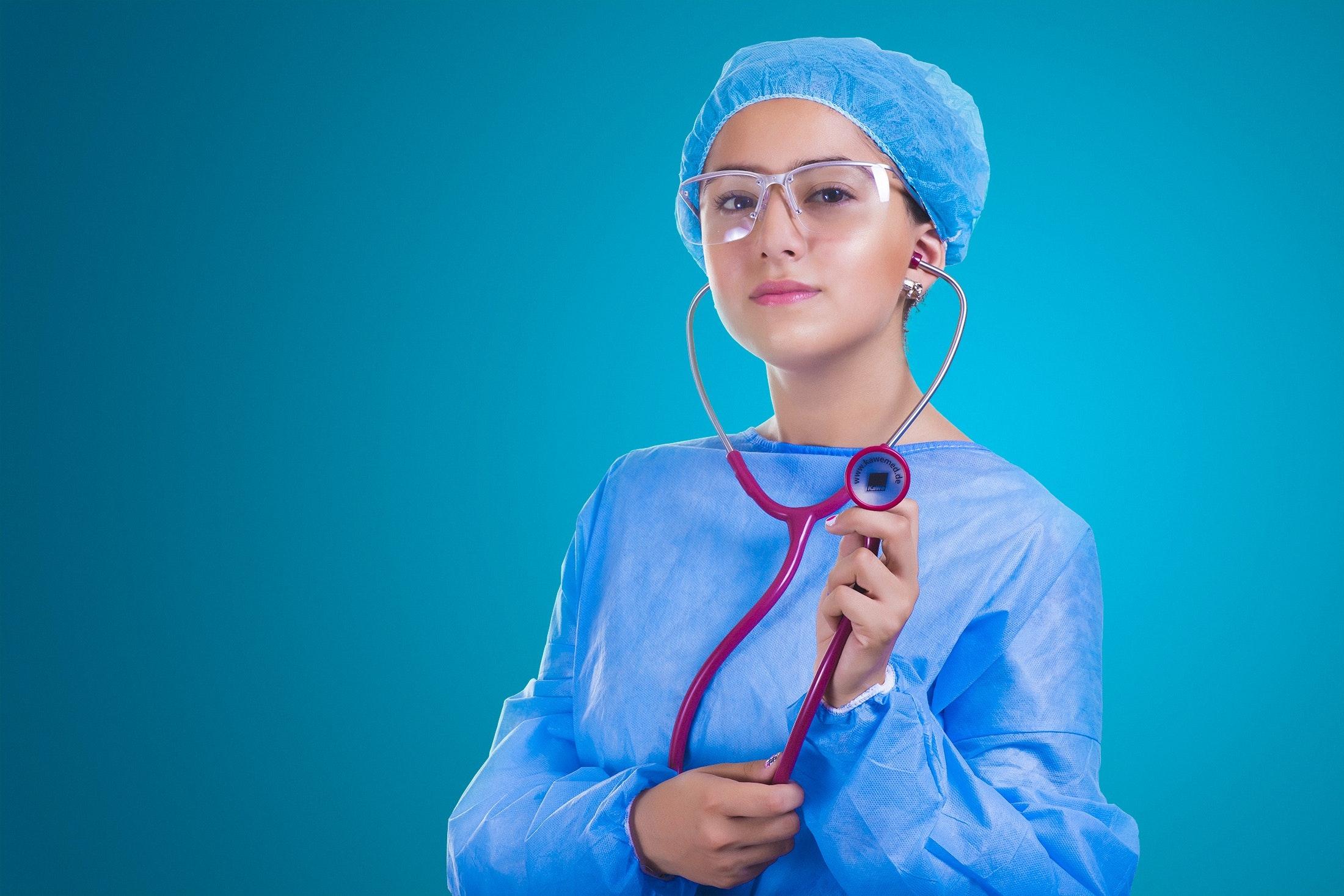 adult-doctor-girl-355934.jpg