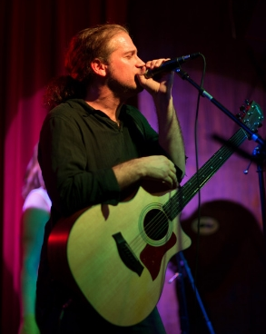 Dax: Vocals/Guitar